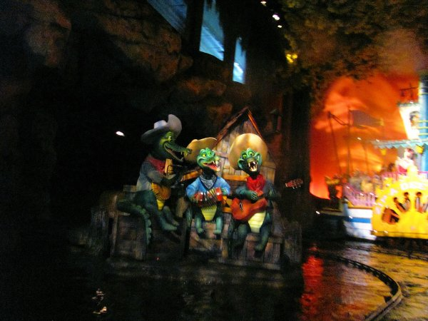 Alligators or Crocodiles Animatronics on Splash Mountain