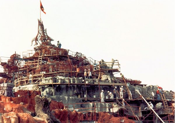 An image of Splash Mountain under construction from the front in Walt Disney World