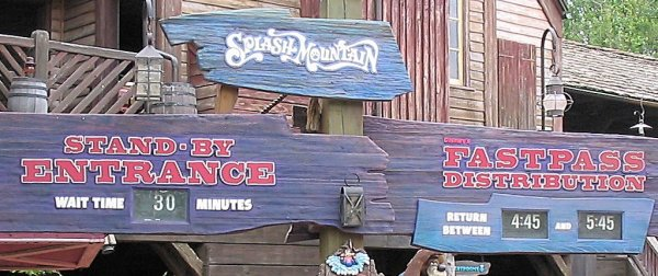 A photo of the splash mountain Logo, Signs, and fonts for the Walt Disney World version