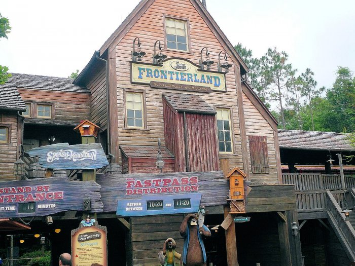 A photo of the Splash Mountain Queue or Line Entrance at Walt Disney World's Magic Kingdom