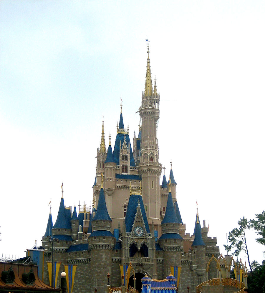 Christmas Day At Walt Disney World The Magic Kingdom Reaches ...